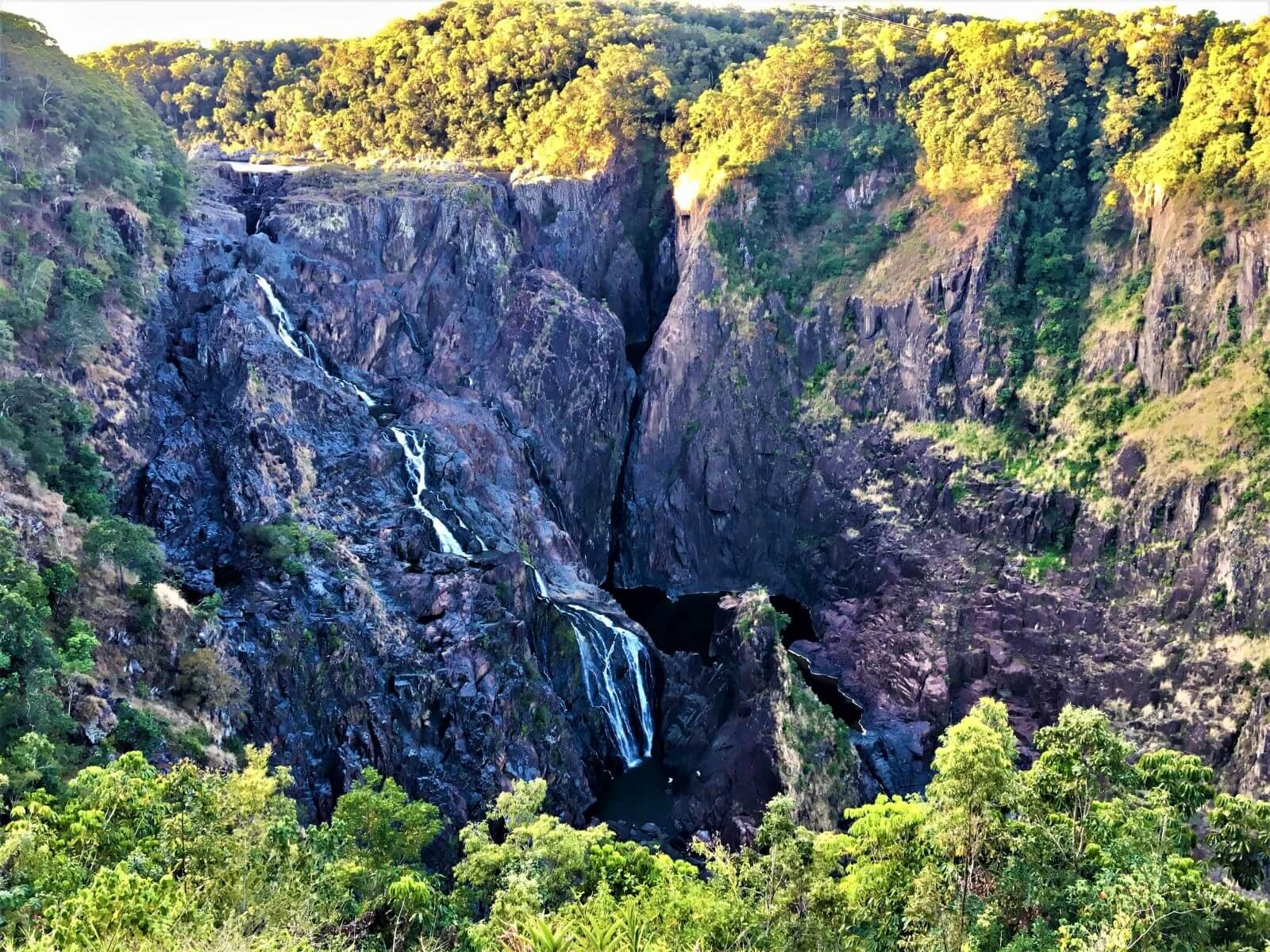 Wasserfall Barron Falls - Tolle Sehenswürdigkeit bei Cairns