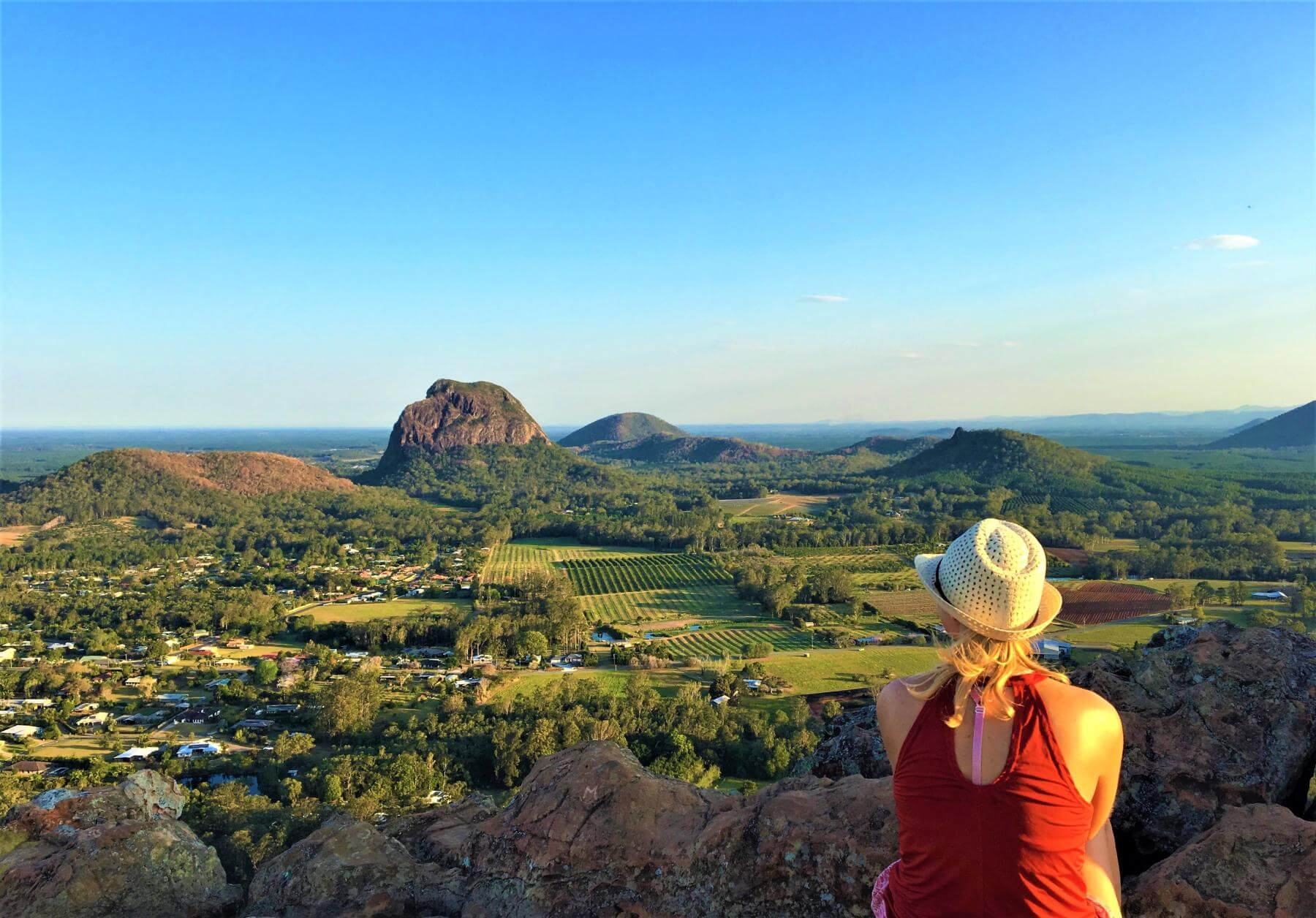 Ausblick auf den Glass House Mountains National Park bei Brisbane