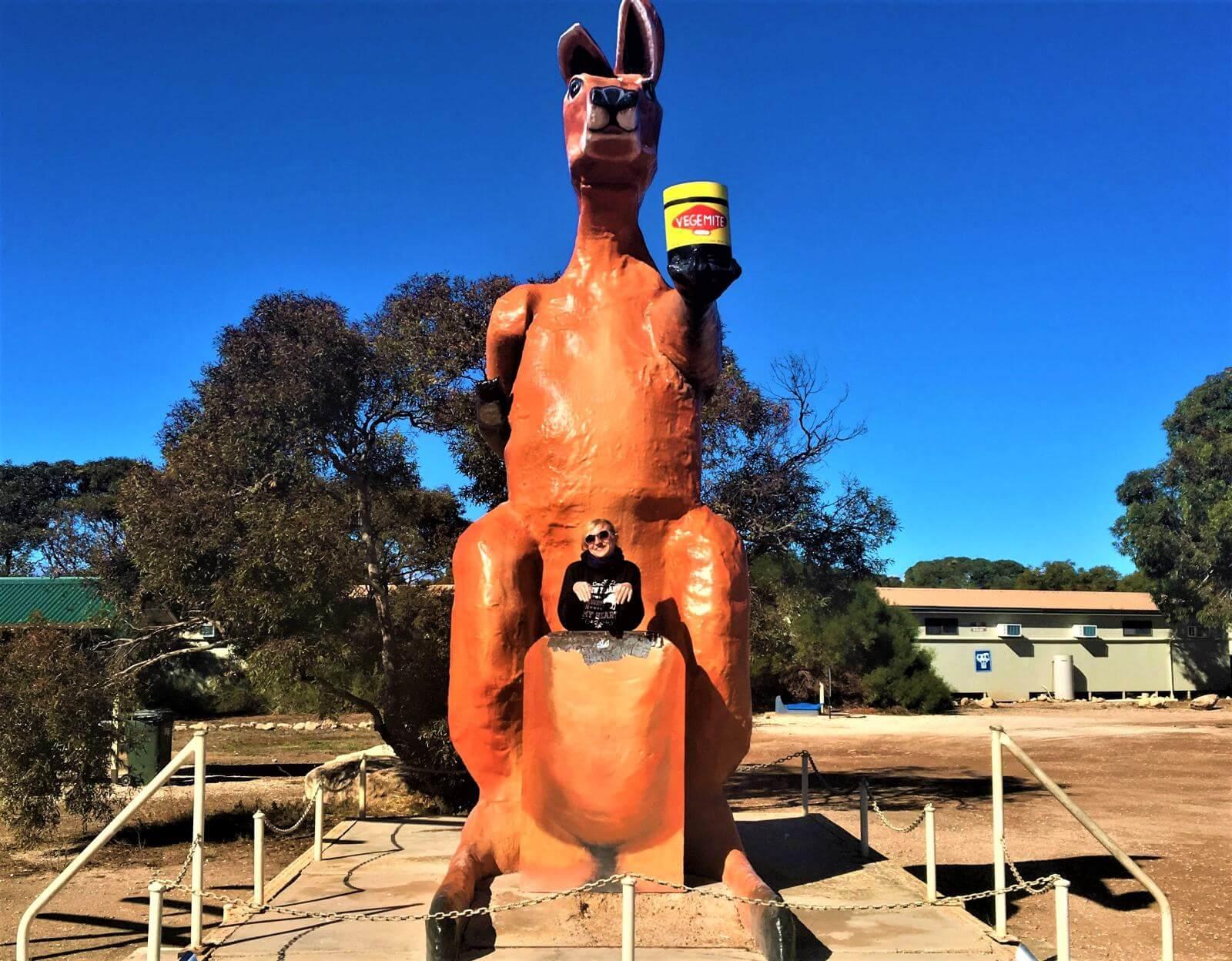 Känguru-Skulptur auf Nullarbor Ebene