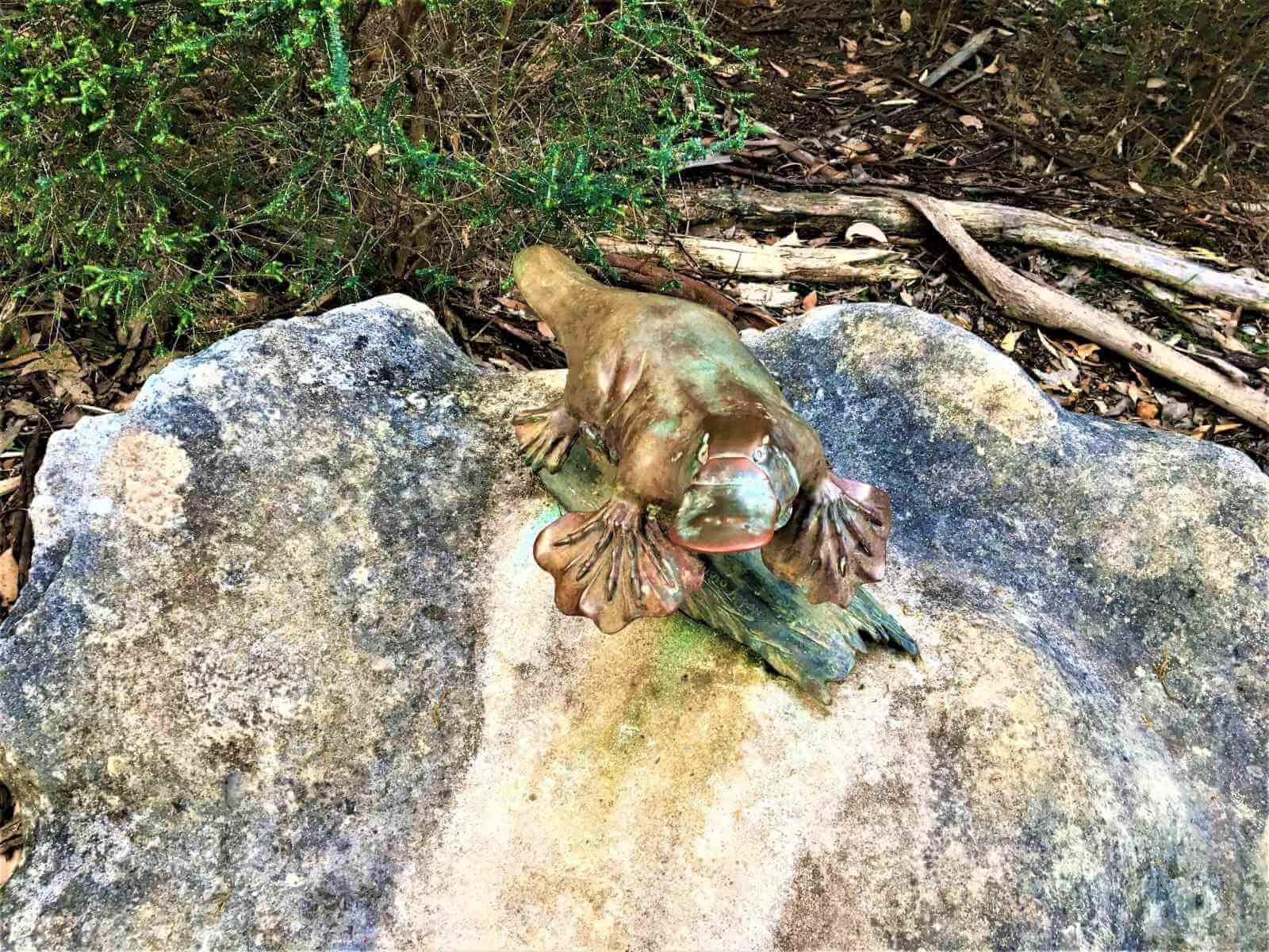 Schnabeltier-Skulptur beim Platypus-Walk
