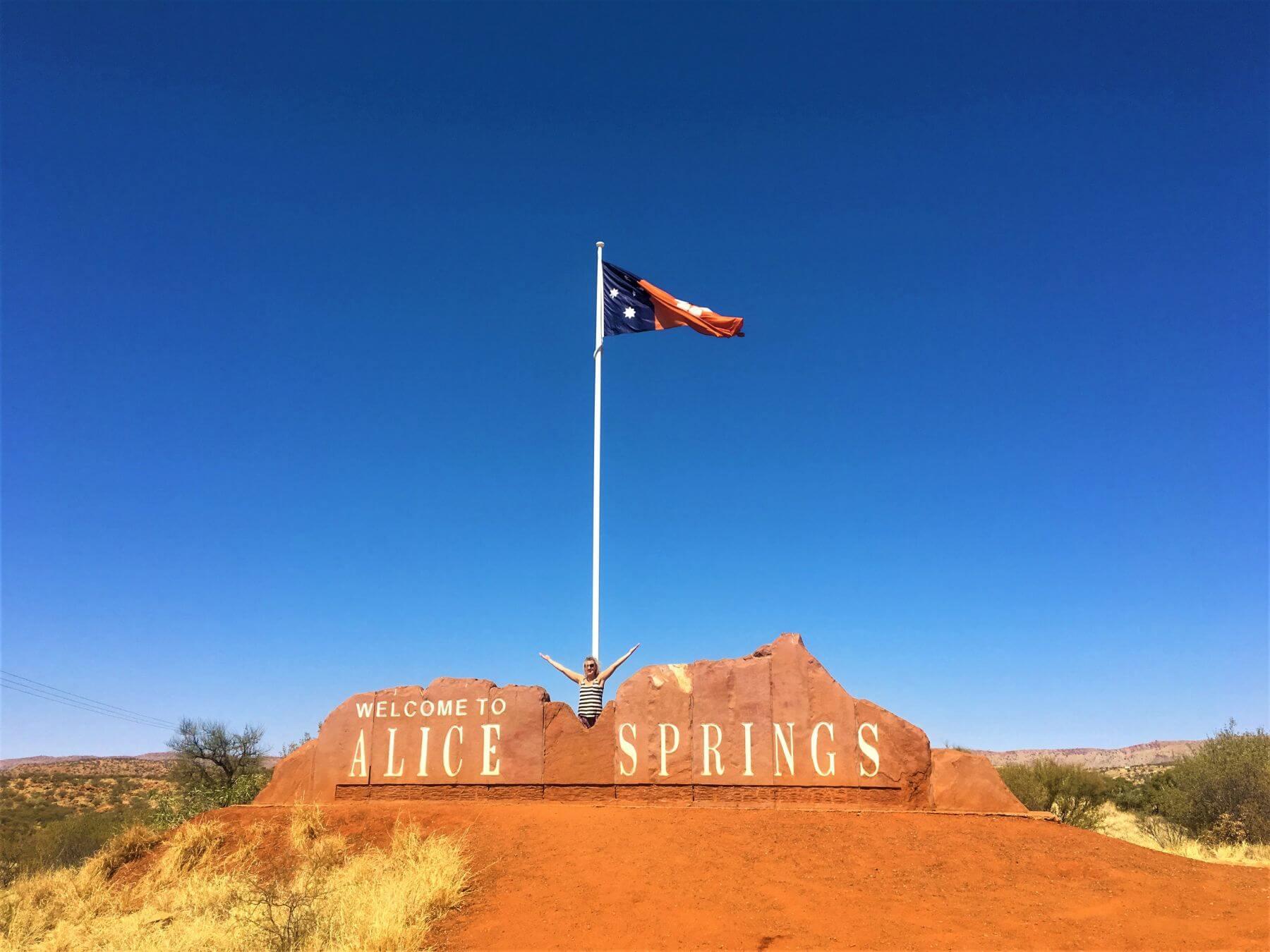 Sehenswürdigkeiten in Alice Springs - Willkommenschild