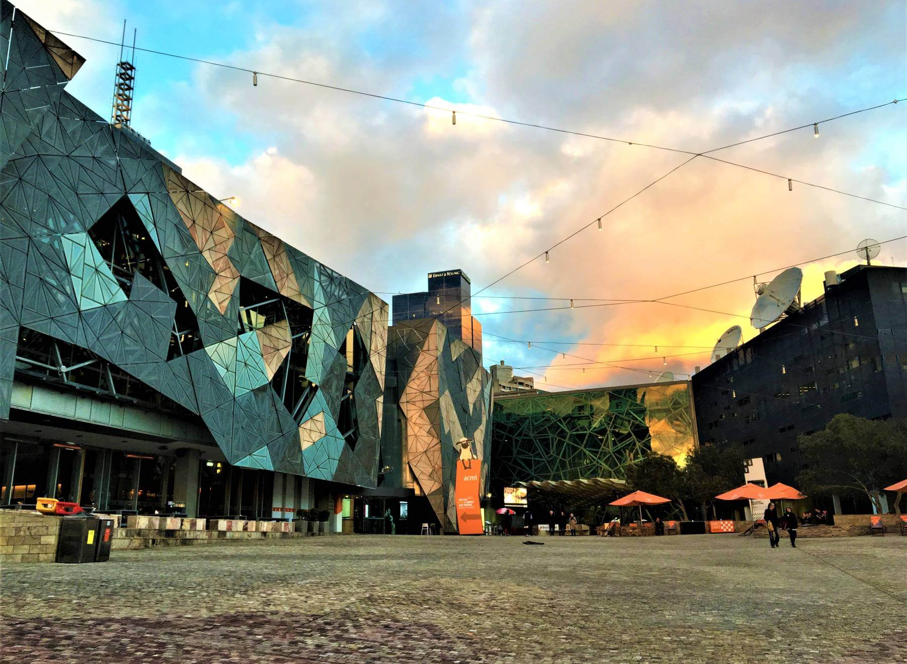 Sightseeing Melbourne - Platz Federation Square