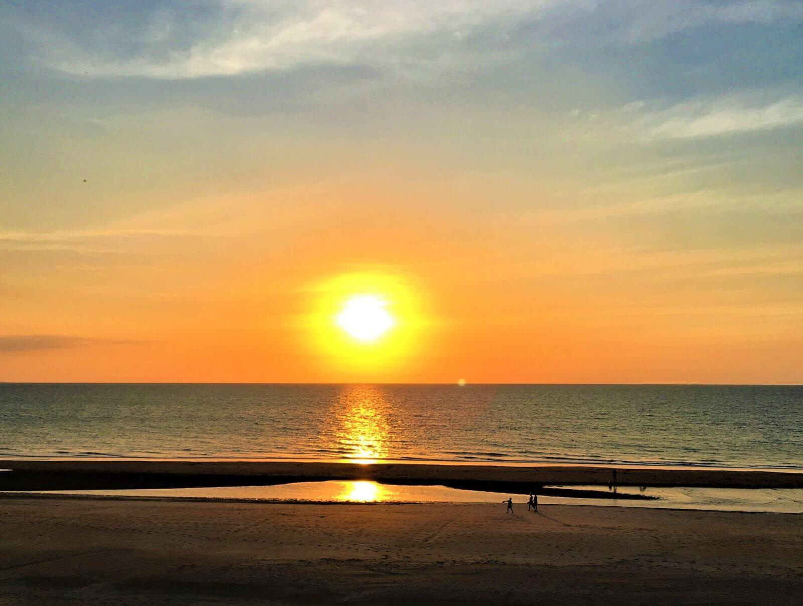 Sonnenuntergang über dem Meer in Australien