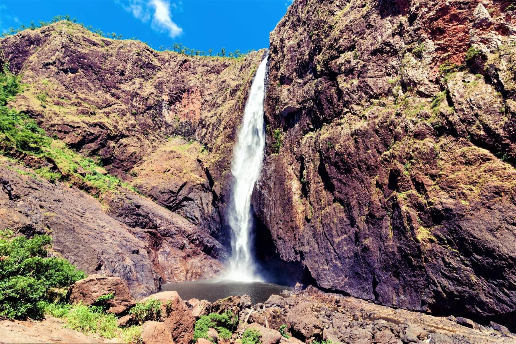 Wasserfall im Regenwald von Australien