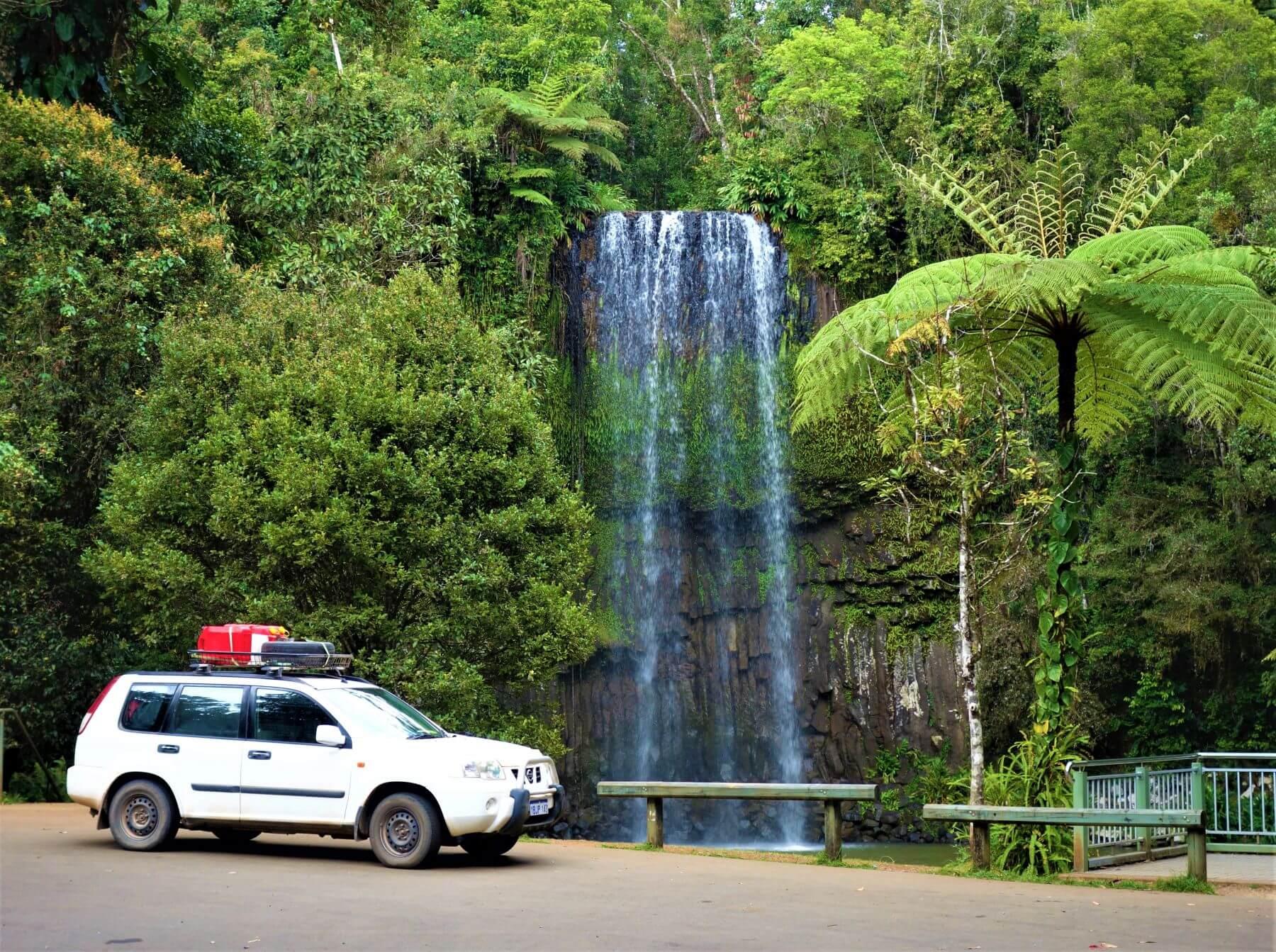 Der Wasserfall Millaa Millaa Falls in Australien